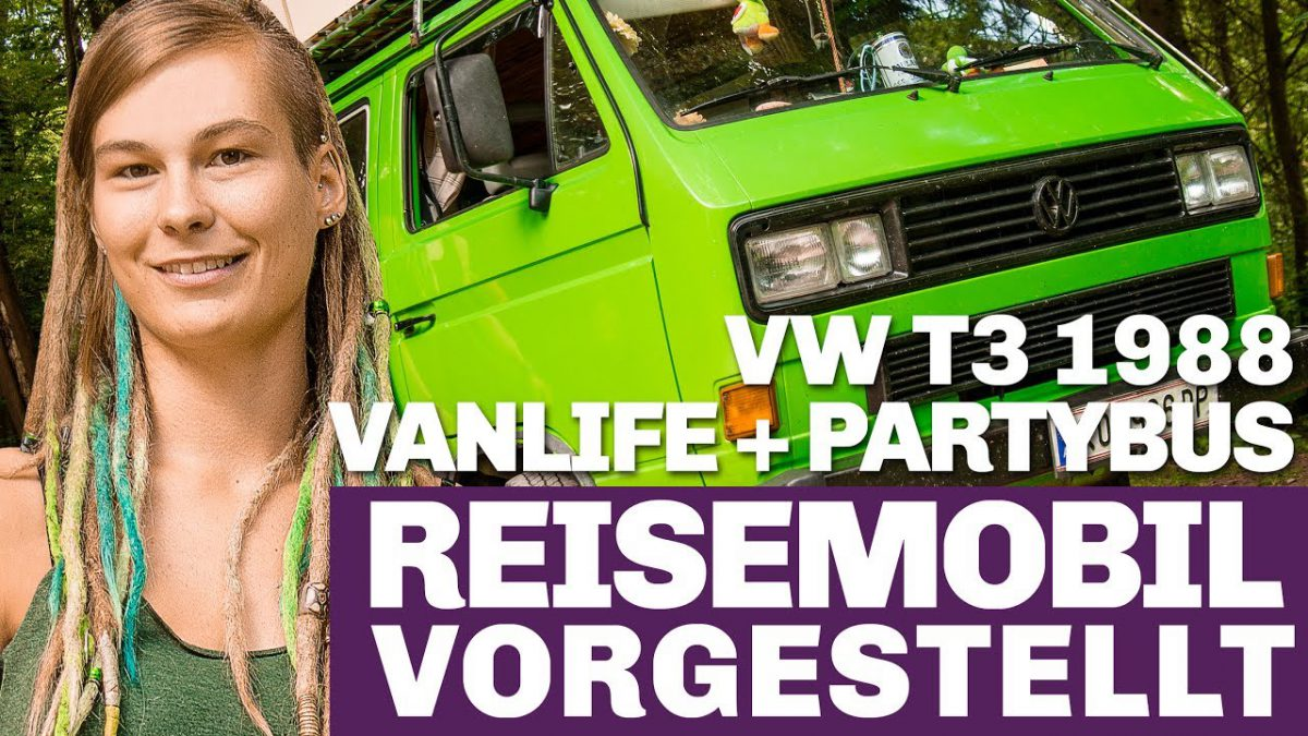 Lisa und ihr grüner T3 Camping Bus im Portrait