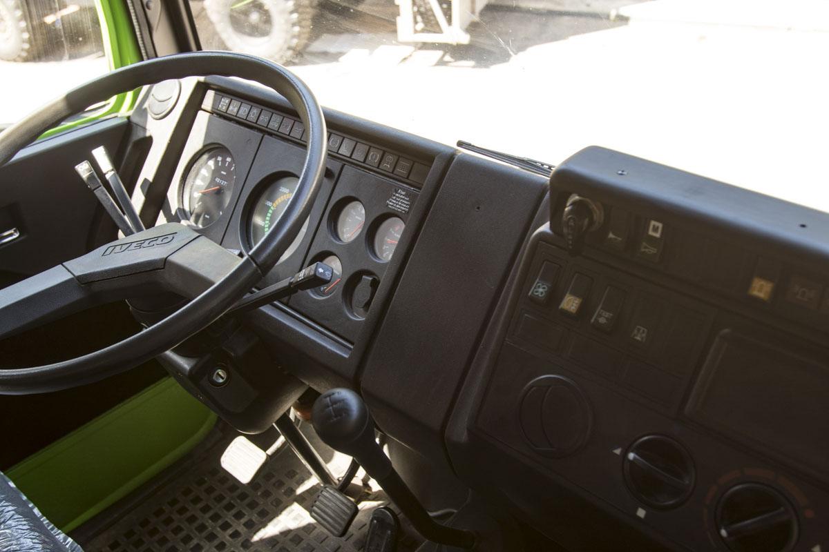 Cockpit aufgefrischt mit Plast PT Kunststofffärber