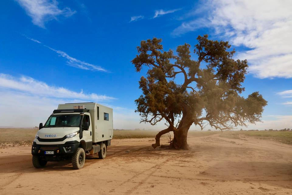 Iveco Daily 4x4 offroad in Marokko