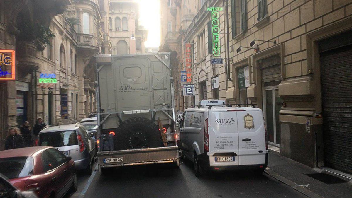 Mit dem LKW durch Genua