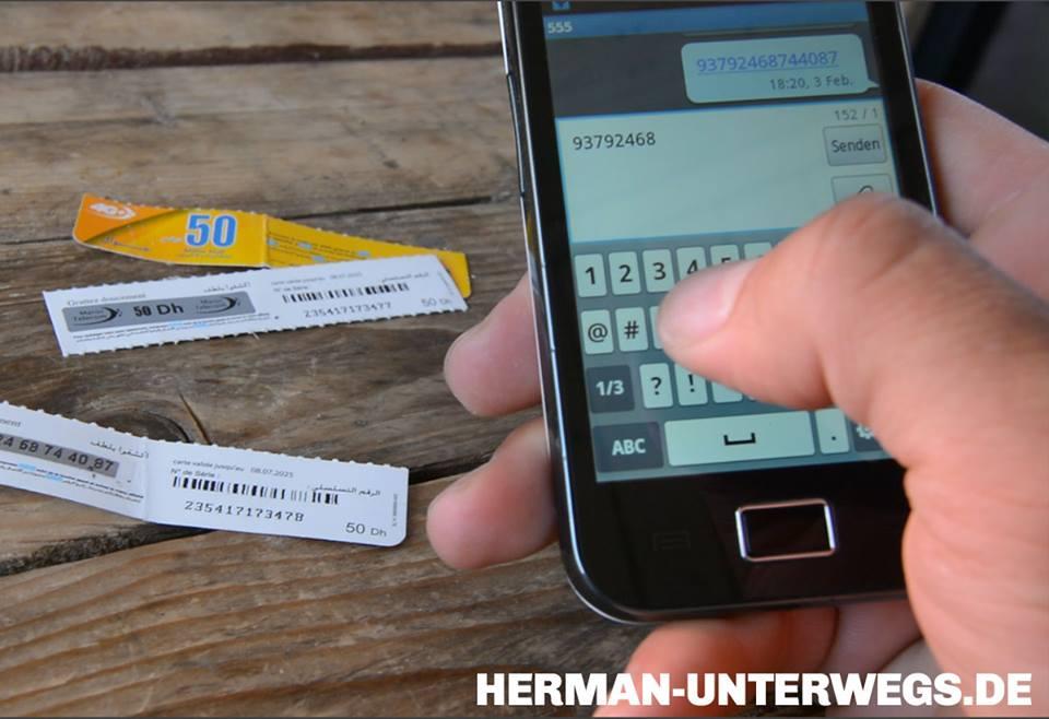 Durch Eingabe einer Nummer und Versand per SMS wird in Marokko Internetguthaben aufgeladen