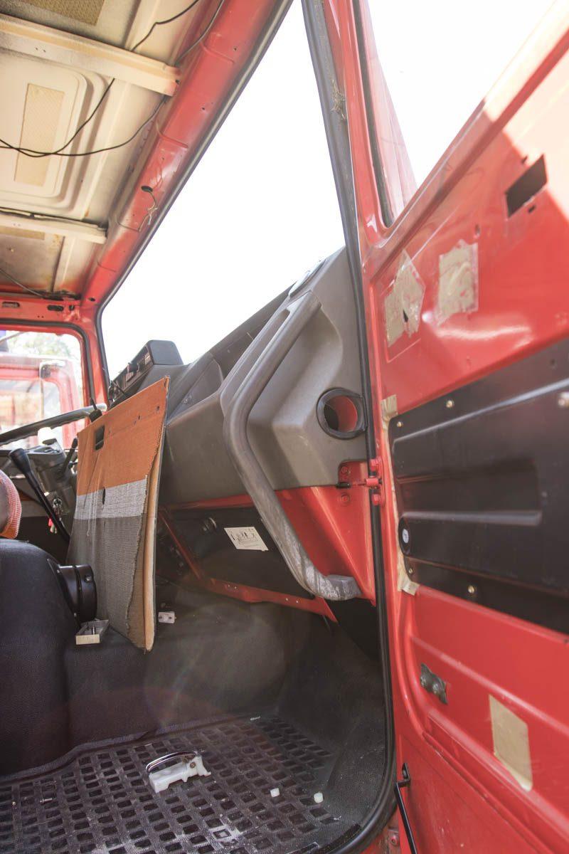 Cockpit aufbereiten - Kunststoffe werden mit Plast PT gefärbt