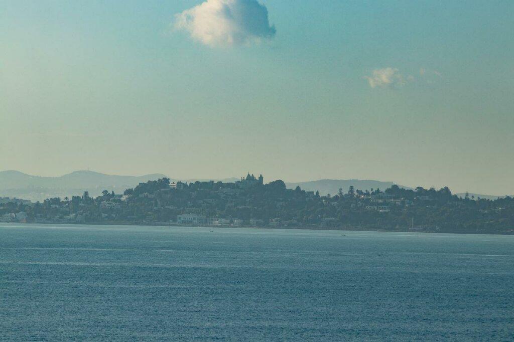 Blick auf Karthago von der Fähre