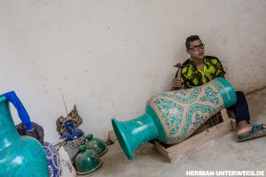 Medina von Fes - Keramikvasen in der Kunstschule