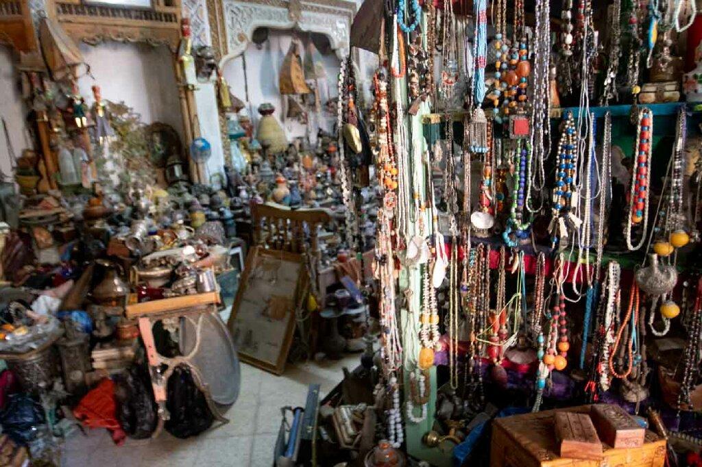 Laden mit Kleinigkeiten in El Djem am Kolosseum