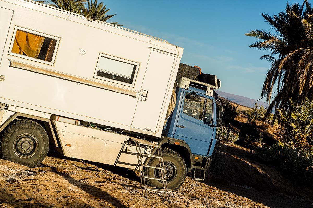 Mercedes 1017 als Allrad Wohnmobil in Marokko