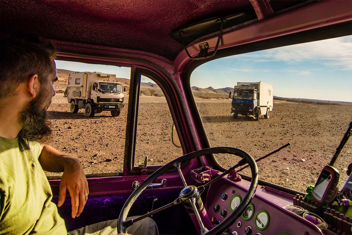 Mit Mercedes 1017 und 914 offroad unterwegs in Marokko