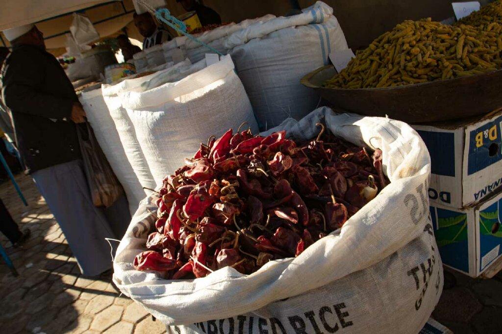Gewürze auf tunesischem Markt
