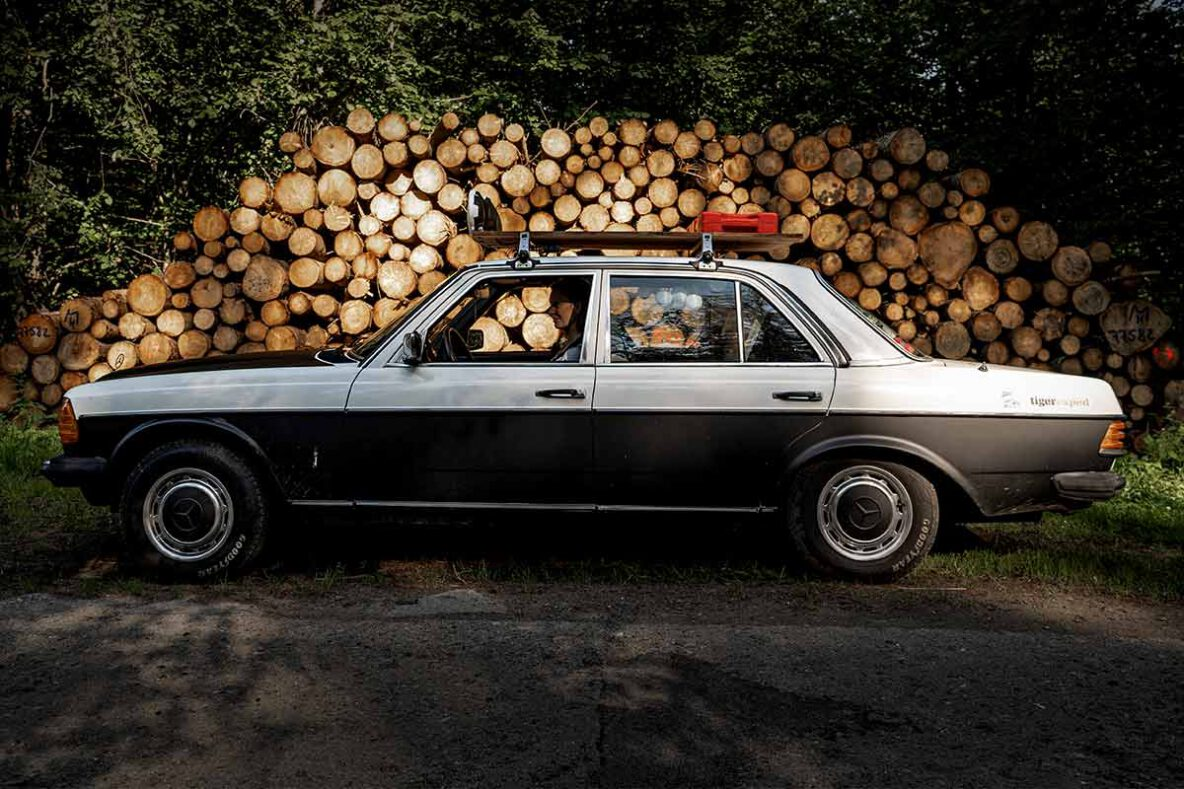 Mercedes W123 Limousine Rally-Style