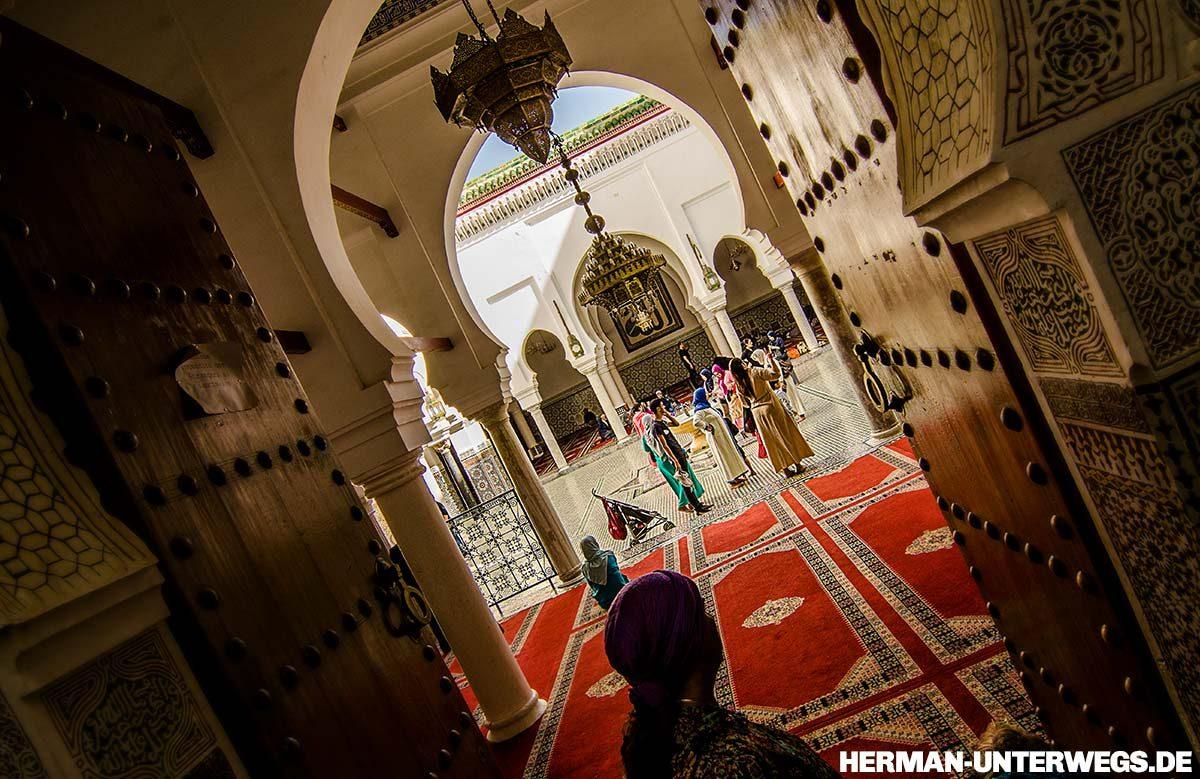 Medina von Fes - Augenblicke in der Moschee