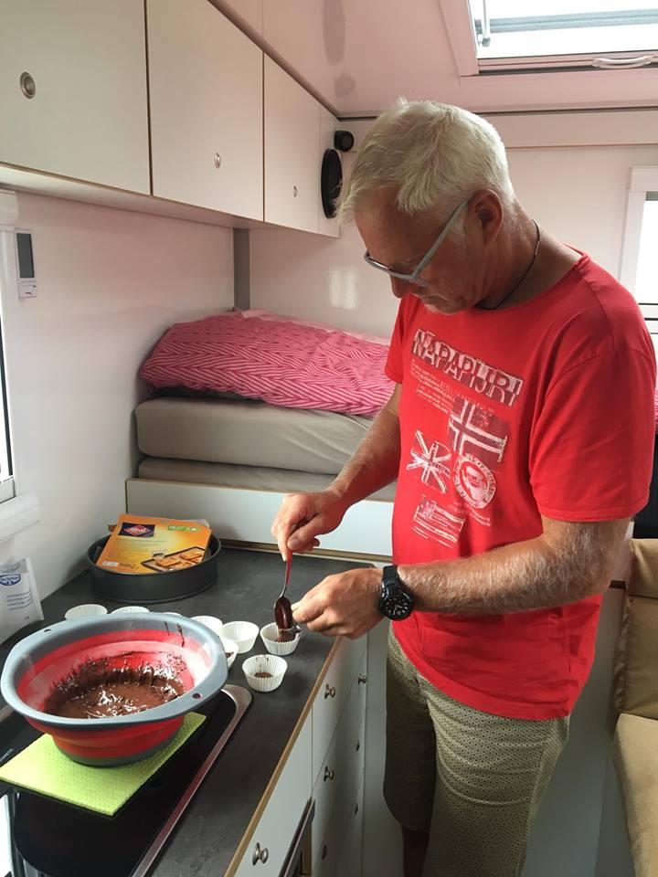 Kochen und Backen im Wohnmobil - Muffins aus dem Gasbackofen