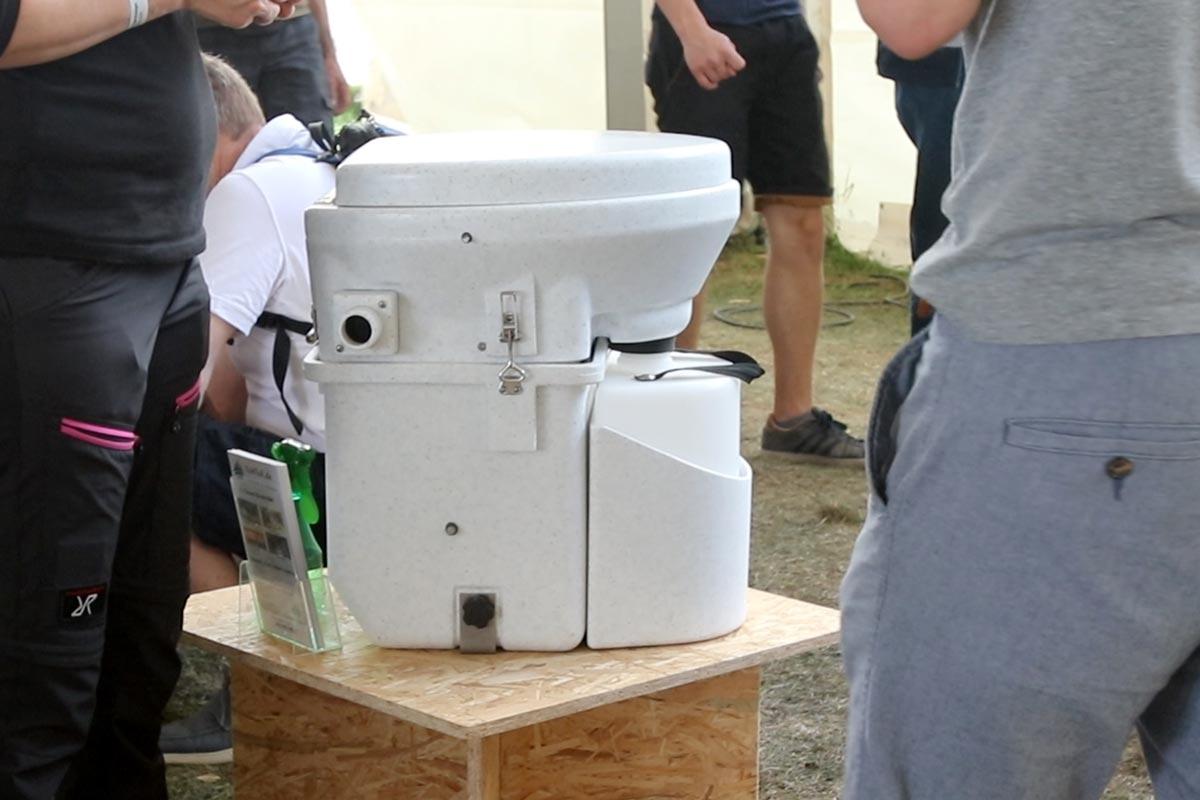 Nature's Head Komposttoilette