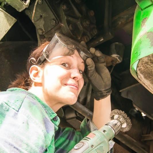 Rost entfernen mit Akkuschrauber und Drahtbürstenaufsatz
