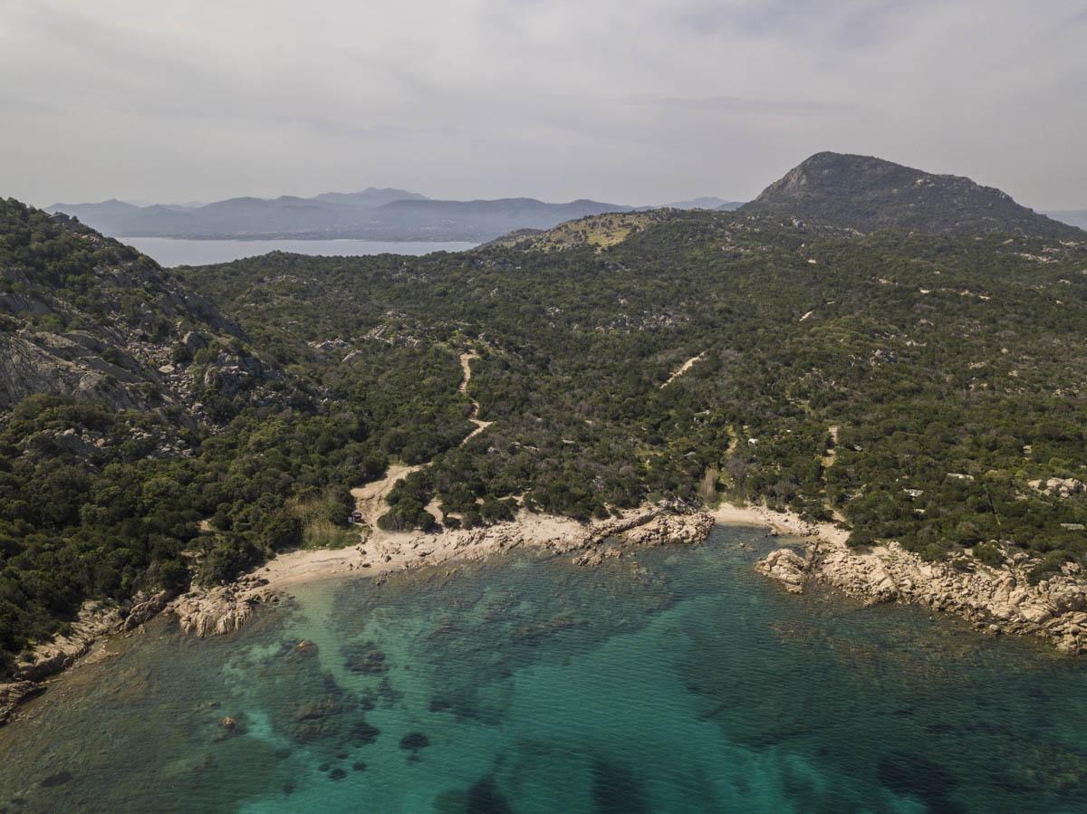 Küste Sardiniens bei Golfo Aranci