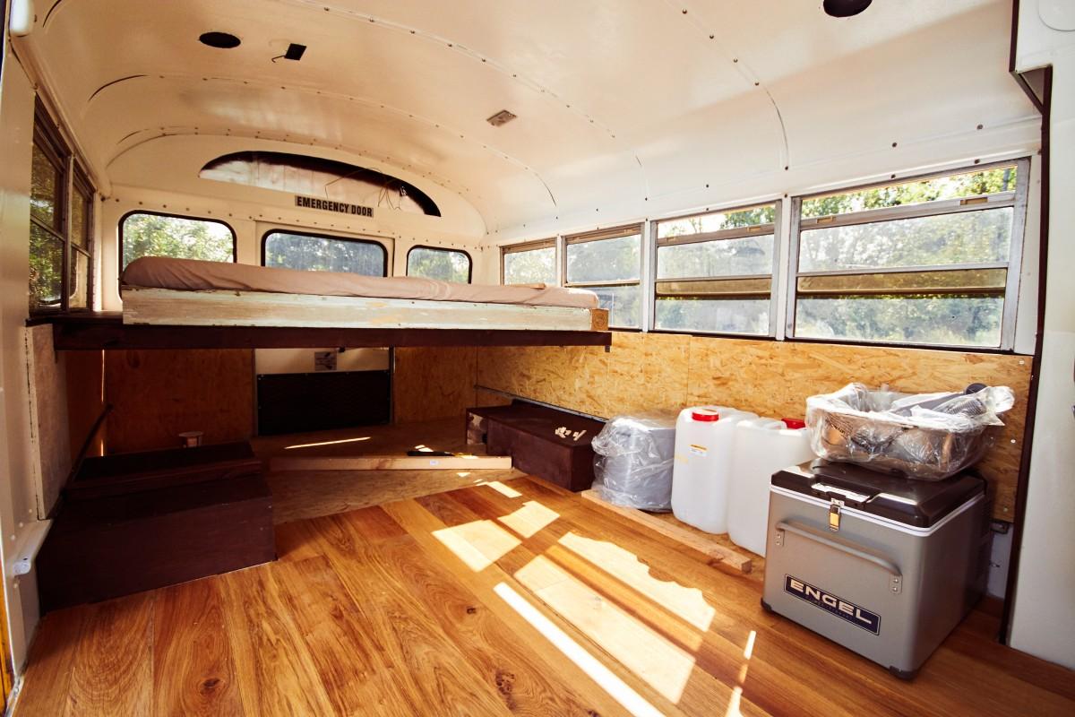 Amerikanischer Schulbus wird zum Wohnmobil