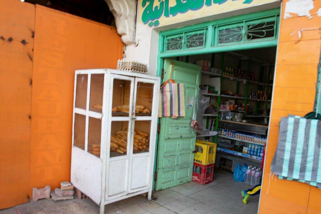 Typisches, kleines Geschäft in Tunesien