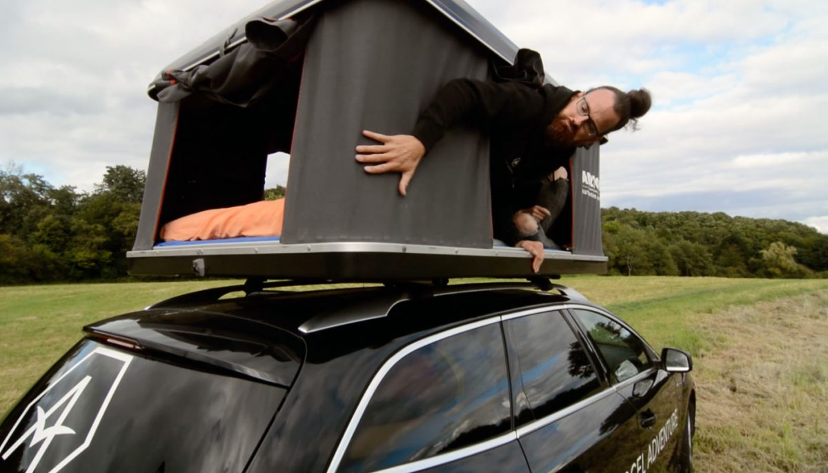 PKW als Wohnmobil mit Dachzelt