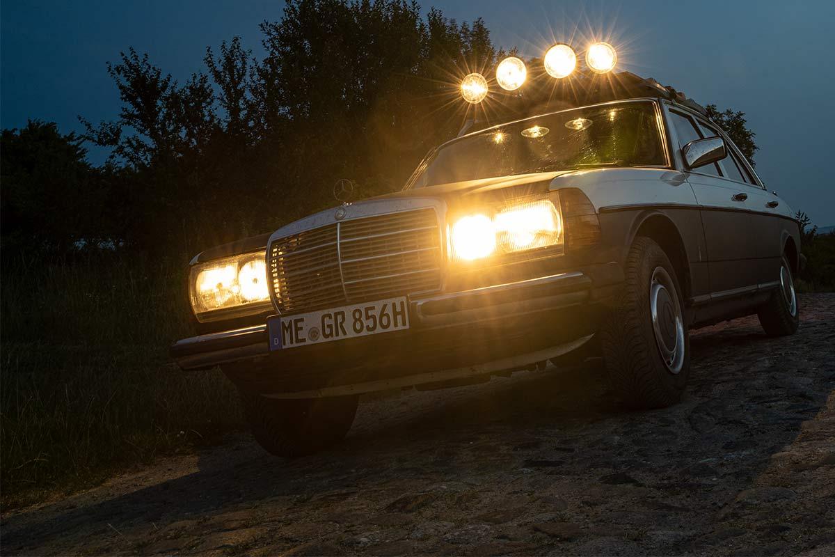 Mercedes W123 mit Rallye Fernscheinwerfern