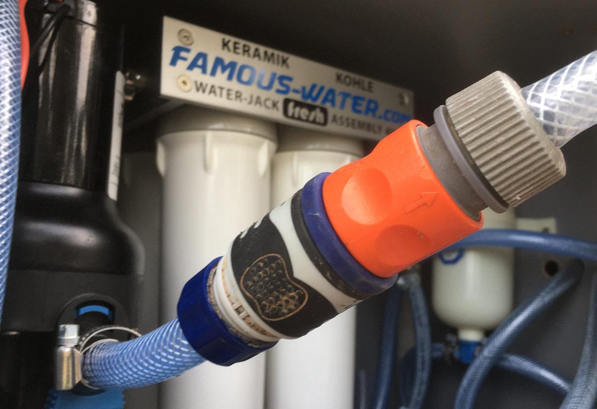Wasserfilter im Wohnmobil mit Befüllung über Gardena Schnellkupplung