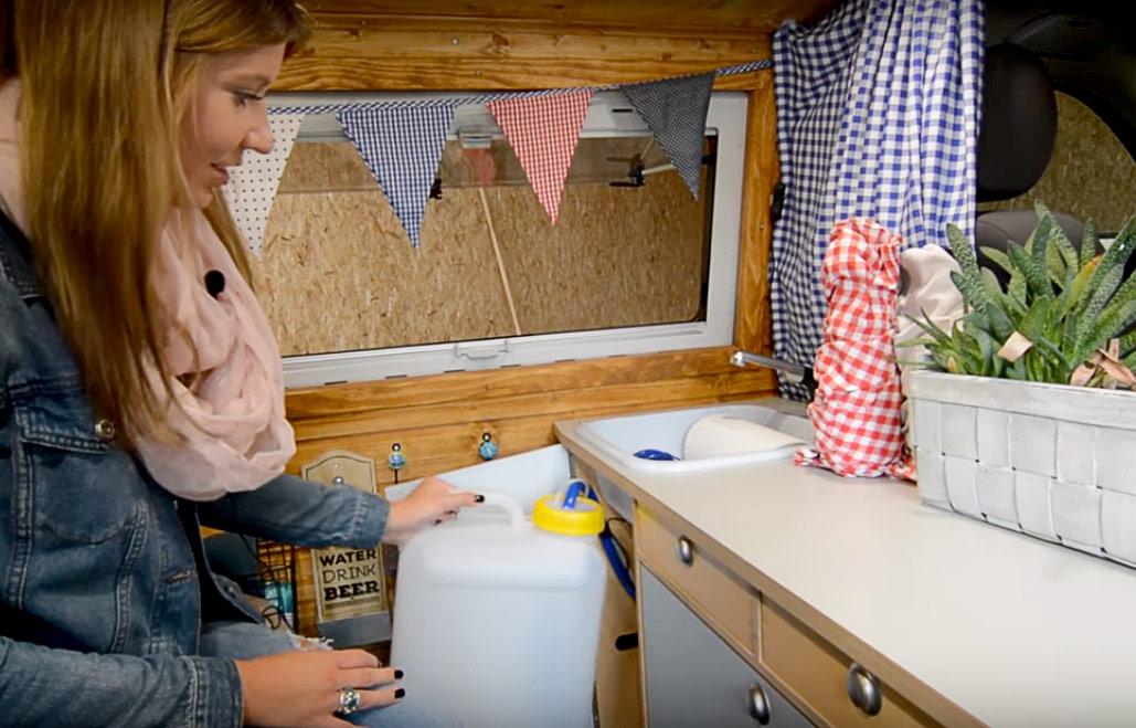 DIY Camperküche mit fließend Wasser