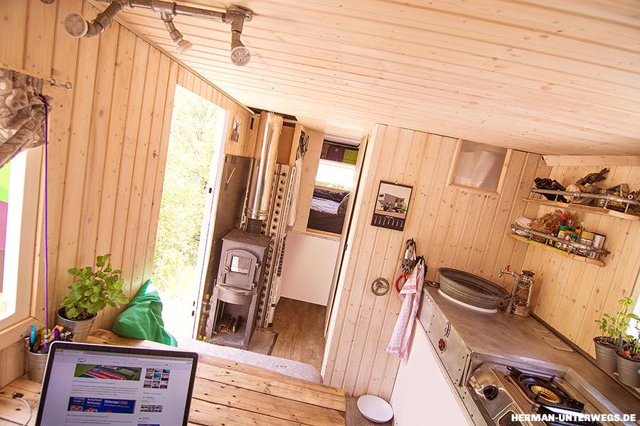 Wohnmobil mit Holzofen selbst gebaut
